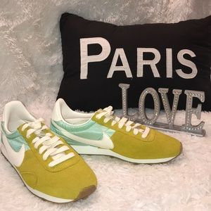 Women Nike Pre Montreal Racer Mint Green Gold